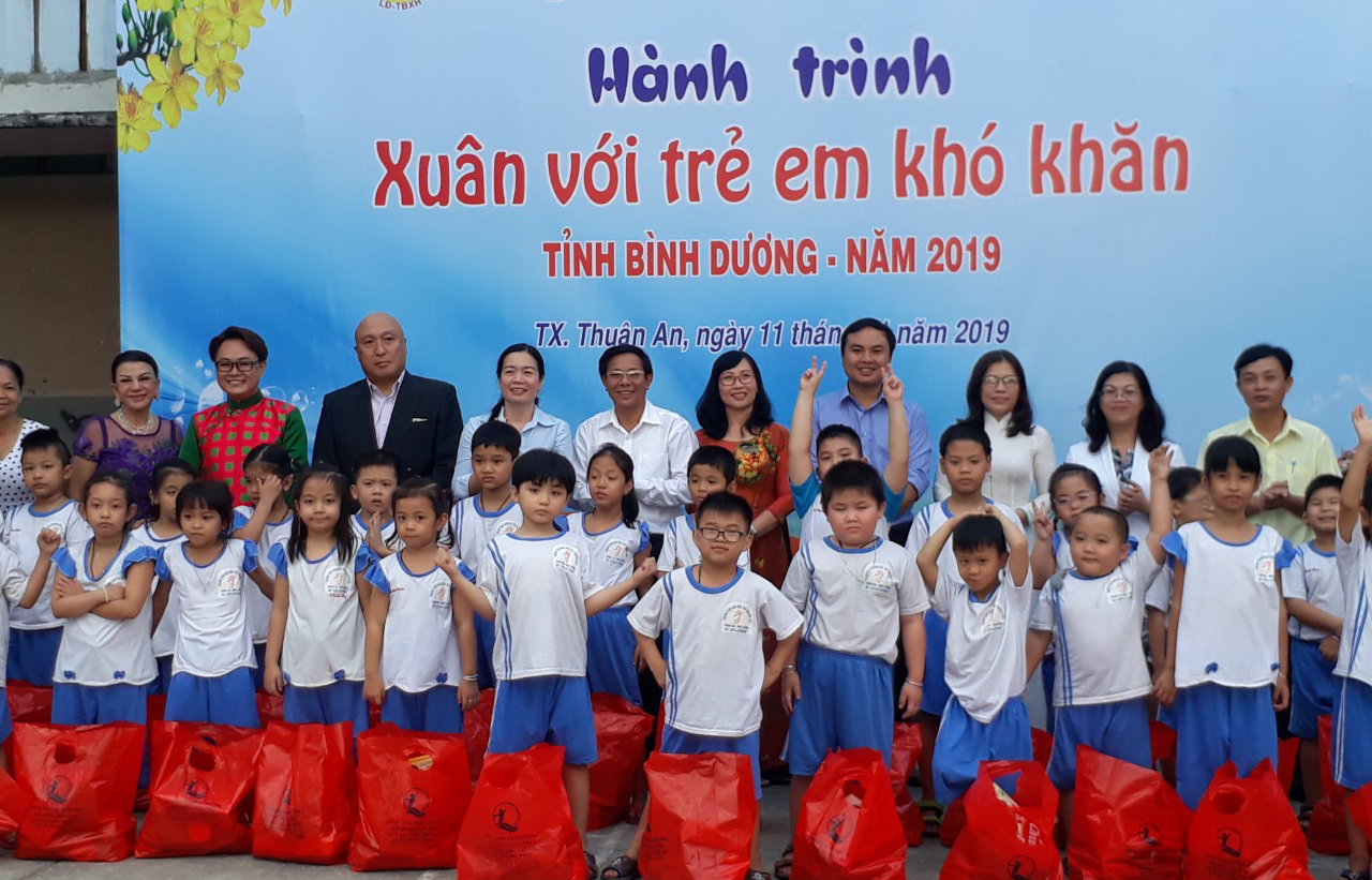 "GSV SPONSORED THE PROGRAM ""SPRING WITH CHILDREN WITH DIFFICULTIES IN BINH DUONG PROVINCE XII IN 2019"""